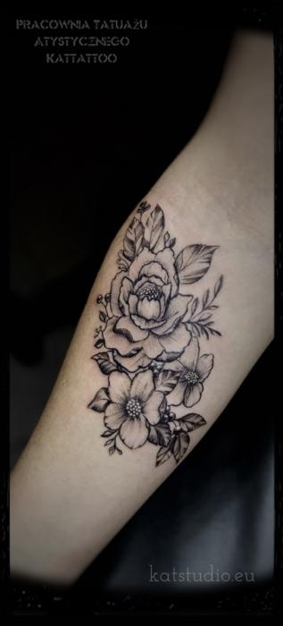 kwiaty czarno-białe