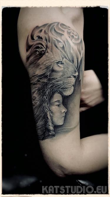 lew dziewczynka