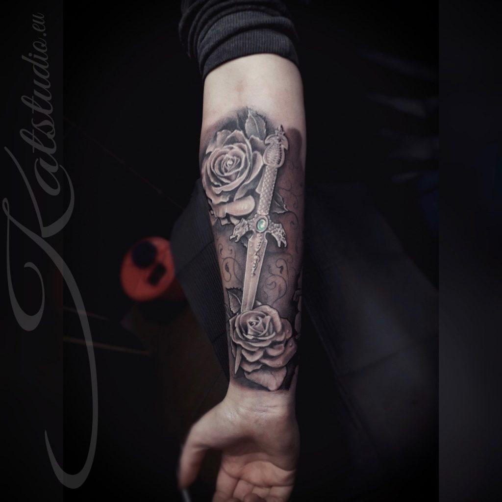 róże i sztylet